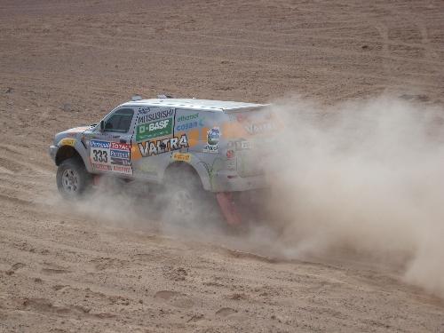 A poeira da areia extremamente fina do deserto tem sido o principal desafio. Foto: Vitor Sendra