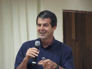 Palestrante Klever Kolberg durante Treinamento Motivacional