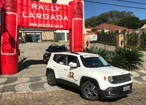 Equipes partem para o desafio no Team Building Rally Ype