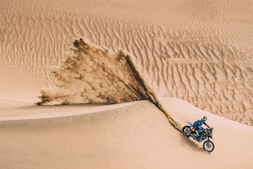 Desafio - Participar no Rally Dakar com uma moto