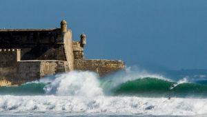 Palestrante praticando surf